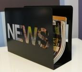 Stojan na noviny / časopisy kovový, černý
